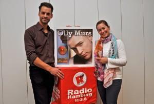 Olly Murs dankt Radio Hamburg mit Goldener Schallplatte