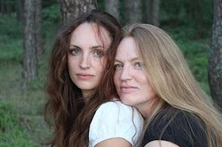 INTERVIEW // Kristy & Tabita Lee Spencer ( Beate Teresa & Susanne Hanika )