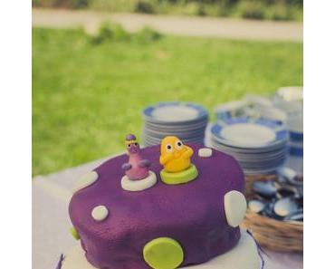 Windschiefe, selbstgemachte Hochzeitstorte / Whimsical selfmade wedding cake