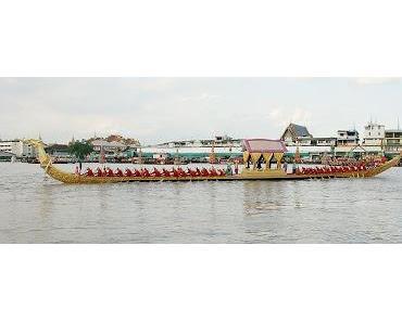 Eine königliche Prozession nicht alltäglicher Art - Royal Barge Procession 2012