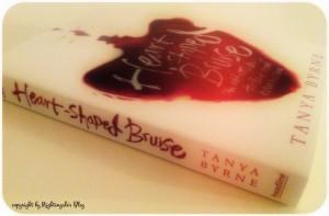 """Rezension zu """"Heart-Shaped Bruise"""" von Tanya Byrne"""