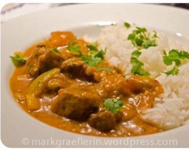Kartoffel-Lamm-Curry mit Glockenchili und Kokosmilch