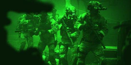 © Universal Pictures International Germany GmbH / US-Soldaten in einer Nacht-und-Nebel-Aktion auf der Jagd nach Osama Bin Laden in Kathryn Bigelows