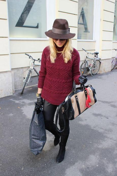 Burgundy sweater and overknees