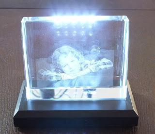 geschenkidee beleuchtetes glasfoto von personello. Black Bedroom Furniture Sets. Home Design Ideas