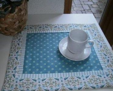 Tischset mit aufgesetzter Blende und Biesen