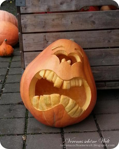 Wordless/Wordful Wednesday: Scary Pumpkin!