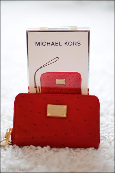 Michael Kors Zip Wallet for Iphone and other smartphones