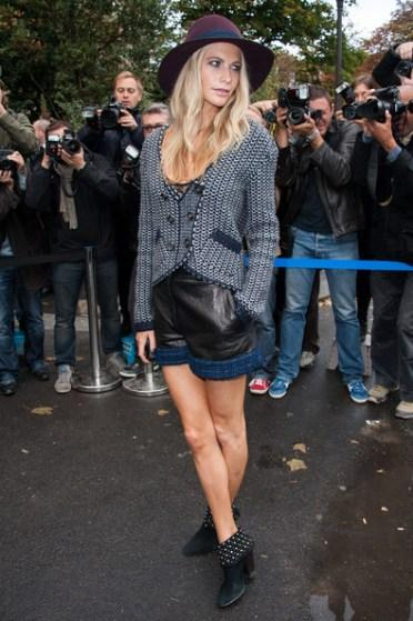 Poppy+Delevingne+Chanel+Outside+Arrivals+Paris+2HxX92tqNZzl