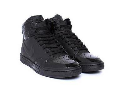 Nike Sportswear Royal Mid – All Black