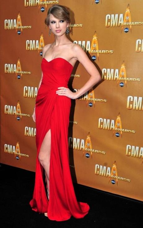 Taylor Swift arrives for the 44th Annual Country Music Awards in Nashville, Tennessee on November 10, 2010. UPI/Kevin Dietsch Photo via Newscom