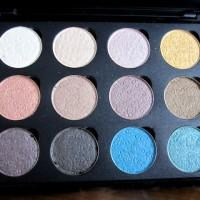 Manhattan Lidschatten in Coastal Scents Palette pressen