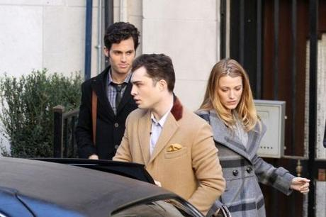 46913, NEW YORK, NEW YORK - Monday November 1, 2010. Blake Lively and Penn Badgley, who turns 24 today, film a scene for Gossip Girl with co-star Ed Westwick. Lively and Badgley recently ended their off-screen relationship. Photograph: PacificCoastNews.com