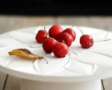 Tortenplatte aus Gips + Blätterteig Herzen