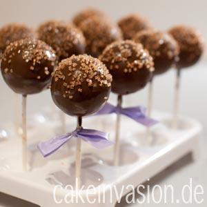 Sacher-Cakepops