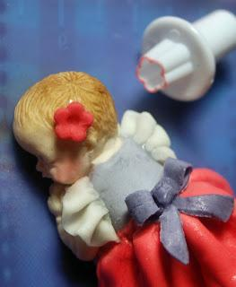 SCHLAFENDES BABY aus Blütenpaste - Schritt für Schritt Anleitung