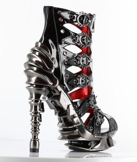 Šta vole žene, pokažite fotografijom Bitch-im-dangerous-steampunk-gothic-heels-L-cd0oD4