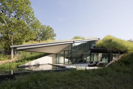 My Dream House # 1: The Edgeland House
