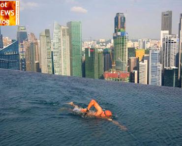 Das höchste Schwimmbecken der Welt - Marina Bay Sands Hotel