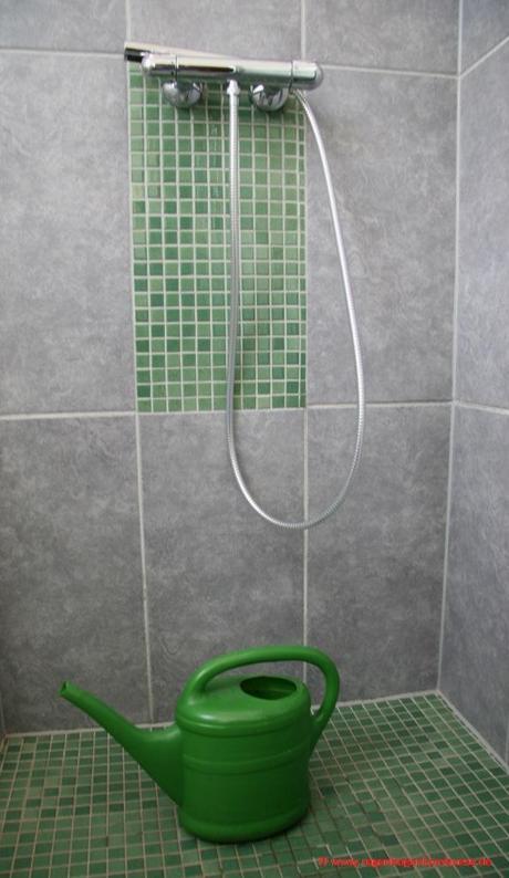 wie man einfach aber sinnvoll wasser im haushalt spart. Black Bedroom Furniture Sets. Home Design Ideas