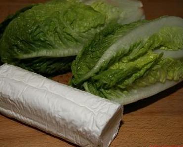 Pfannengebratener Salat mit geschmolzenem Ziegenkäse