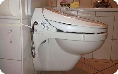 geberit aqua clean 4000 die kabel sind verschwunden. Black Bedroom Furniture Sets. Home Design Ideas