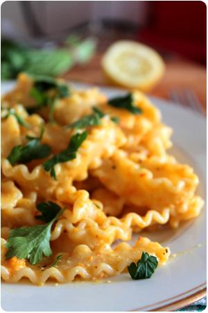 Pumpkin Mac 'n' Cheeze - Pasta mit Kürbiscreme