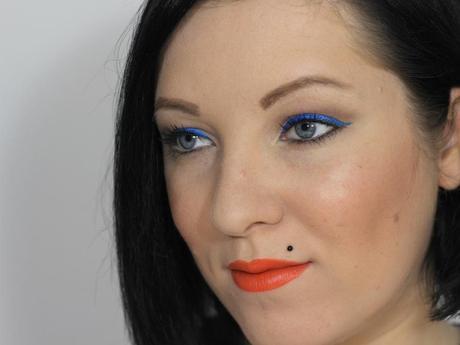 Schwarz und wei und blau und orange l yrh9qg jpeg
