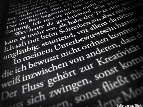 schrift by die varga Berlinspiriert Lifestyle & other stories