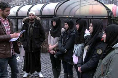Teenies konvertierten zum Islam für Biebertickets