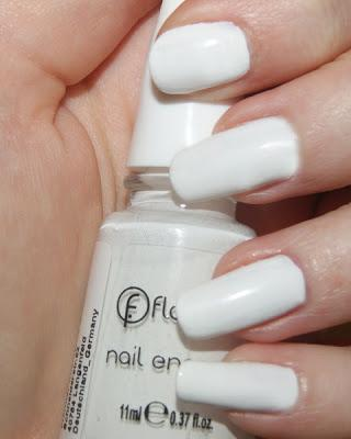 White nails with Flormar