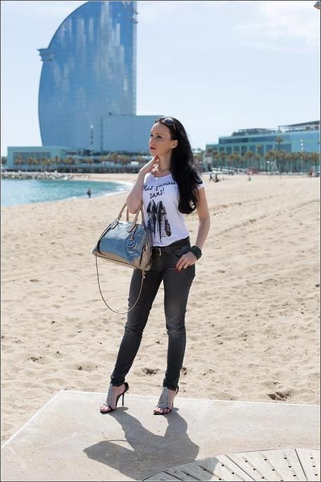 Fashionblog Modeblog München - Styling with Versace Jeans and Michael Kors handbag