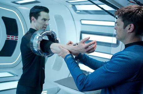 Review: STAR TREK INTO DARKNESS - Die Enterprise im Sturzflug