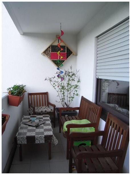 unser insektenhotel. Black Bedroom Furniture Sets. Home Design Ideas