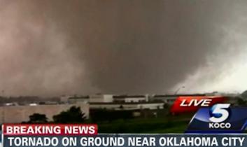 BREAKING NEWS: Monster-Tornado zieht Schneise der Verwüstung durch Moore (Oklahoma)