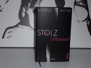 Rezension: Stolz und Demut von Sophie Weiss
