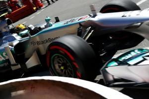 Formel 1: Mercedes, Pirelli und der Reifentest