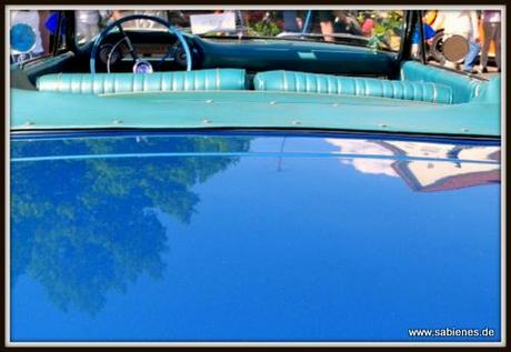 Blauer Ford Galaxie