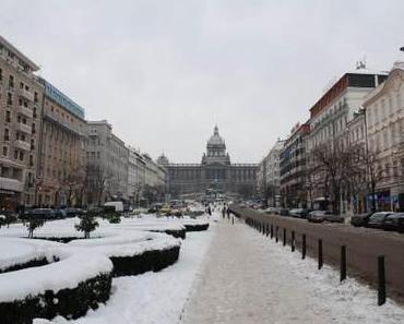 T-16. Advent in Prag und Glühtee