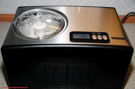 ice baby ice veganes erdbeereis in der eismaschine selbst gemacht. Black Bedroom Furniture Sets. Home Design Ideas