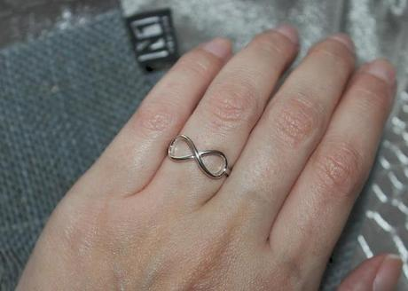{Haul} New One Infinity Ring (Schmuck)