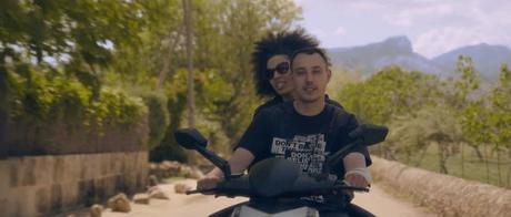 Flexis feat. Mahira Cruz & Mo   Direkt in die Sonne (Video)