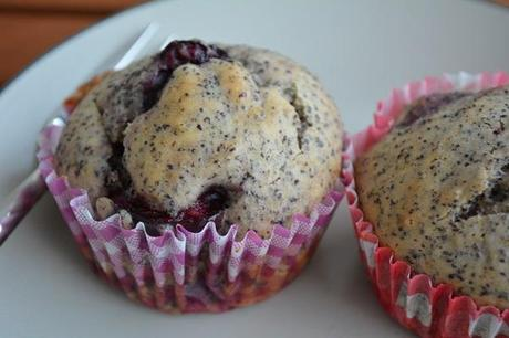 Baking with friends: Mohn-Kirsch-Muffins