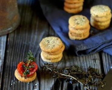 Frisch verliebt { Parmesan-Cookies mit Rösttomaten }