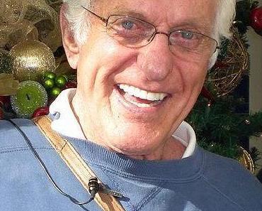 Dick Van Dyke aus brennendem Auto gerettet