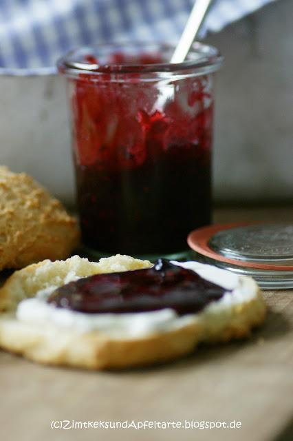 mmmmhhhh brombeer holunder marmelade auf scones und das n chste fr hst ck kann kommen. Black Bedroom Furniture Sets. Home Design Ideas