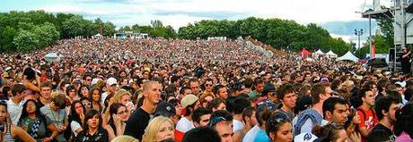 Concert Crowd (Osheaga 2009) - 30000 waiting for Coldplay