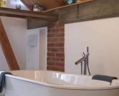gegen schimmel und gegen zu viel feuchtigkeit. Black Bedroom Furniture Sets. Home Design Ideas