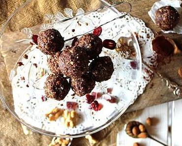 Schokoladige Energiebällchen mit cremiger Füllung
