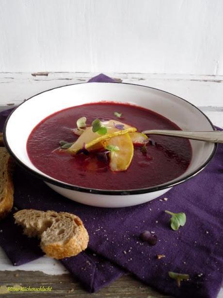 rote beete birnen suppe mit karamellisierten birnenspalten. Black Bedroom Furniture Sets. Home Design Ideas